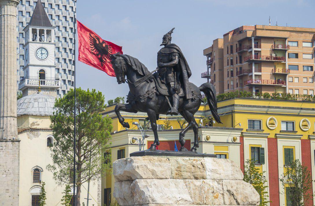 Pomnik Skanderbega w Tiranie - Albania