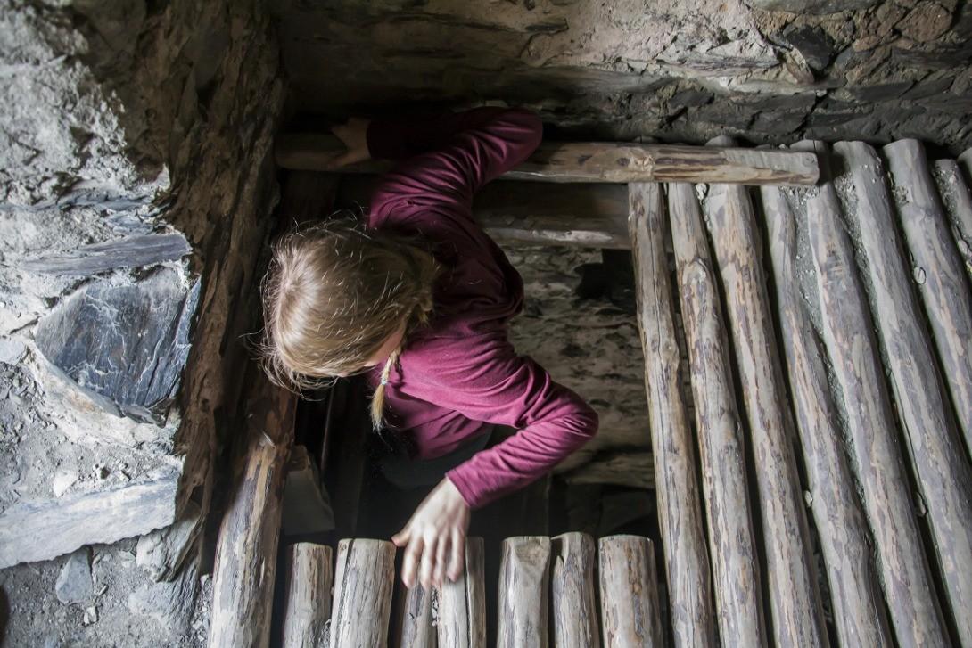 Wspinaczka na wieży strażniczej w Swanetii