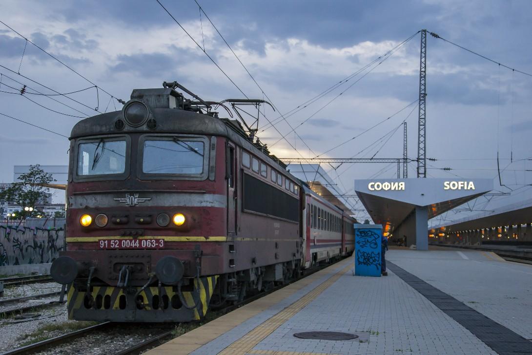 Pociąg do Stambułu na stacji w Sofii.