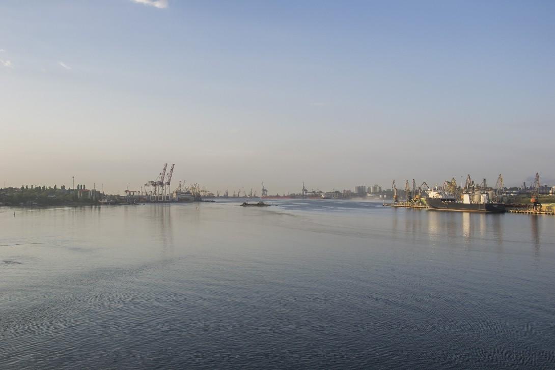 Widok na port Czornomorsk - rejs ze Stambułu do Odessy