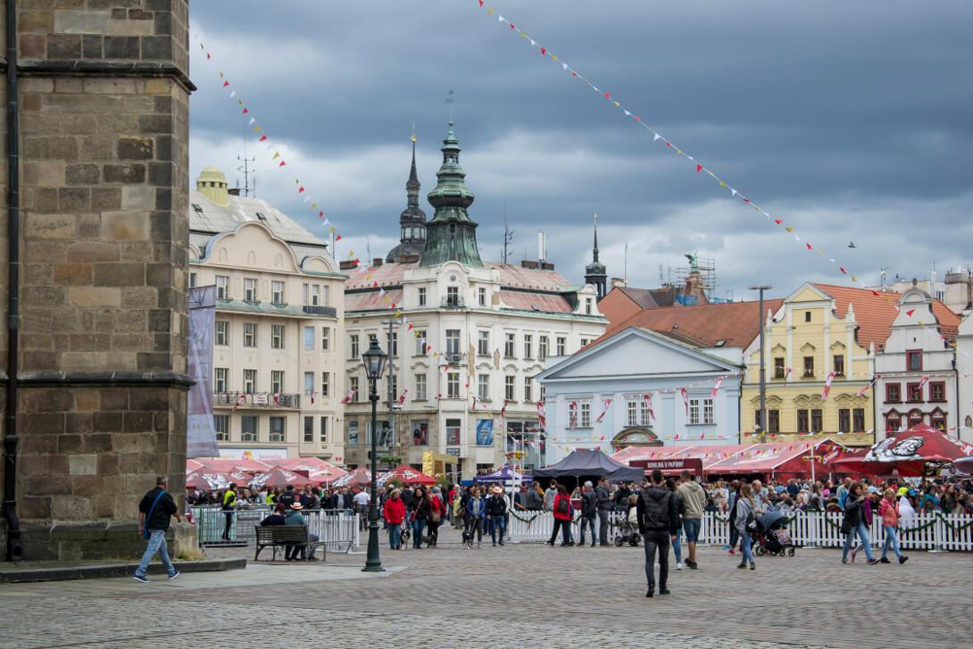 Rynek przy katedrze św. Bartłomieja - Pilzno