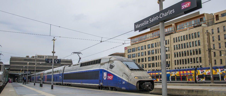 Pociąg TGV na stacji w Marsylii