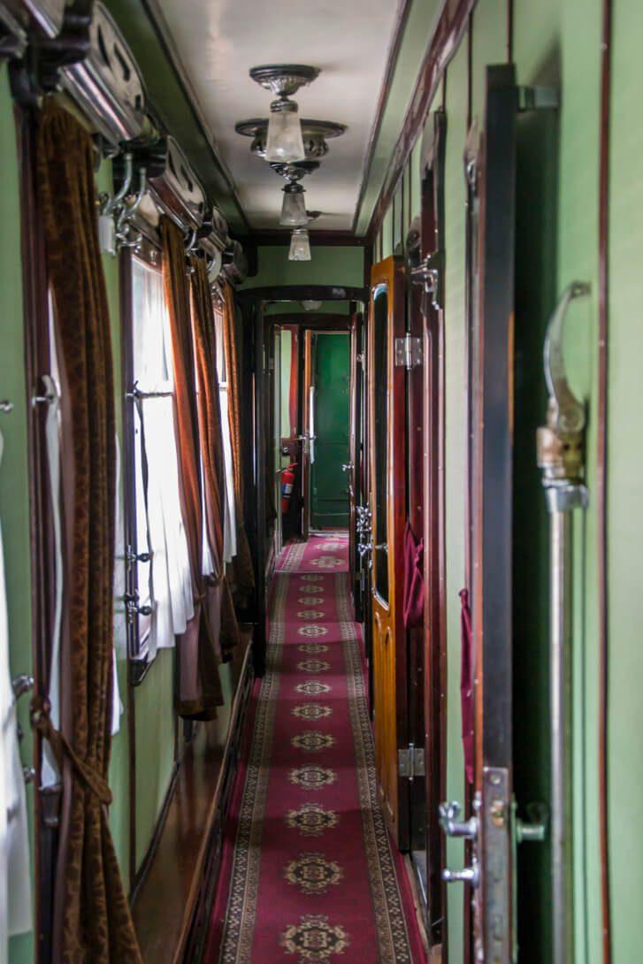 Korytarz w wagonie salonce Stalina w Muzeum Stalina