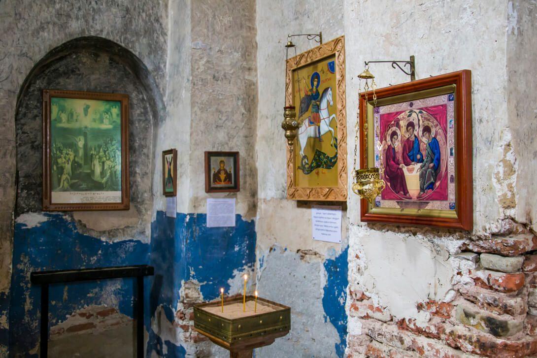 Wnętrze świątyni w Uplisciche