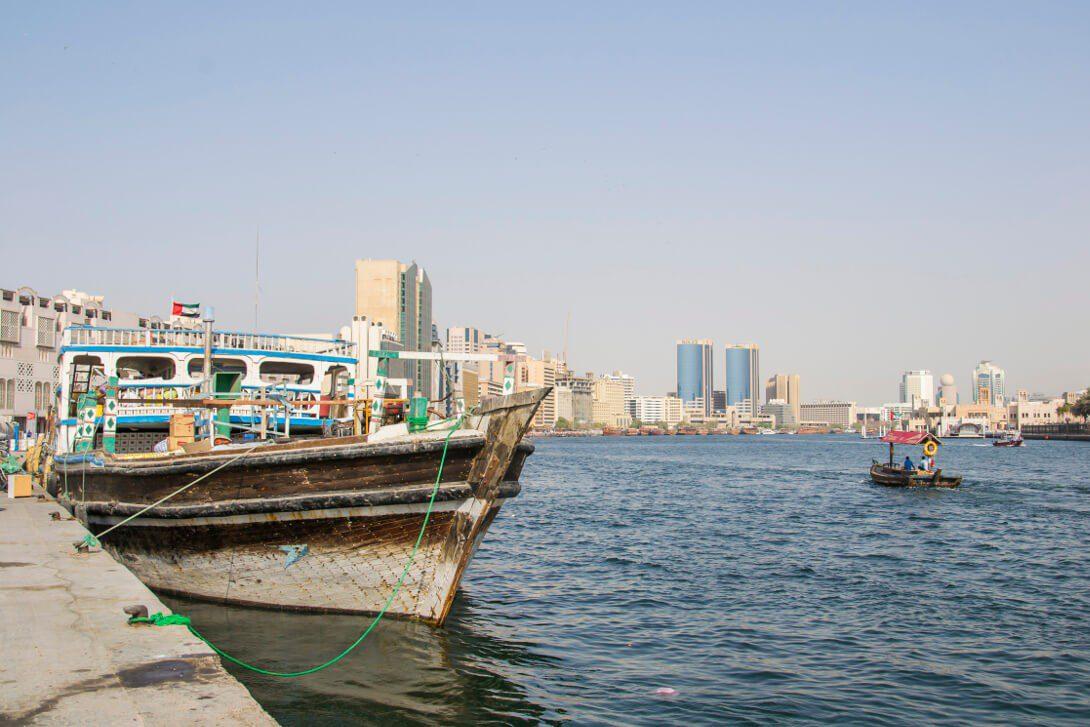 Dhow na przystani w Dubaju