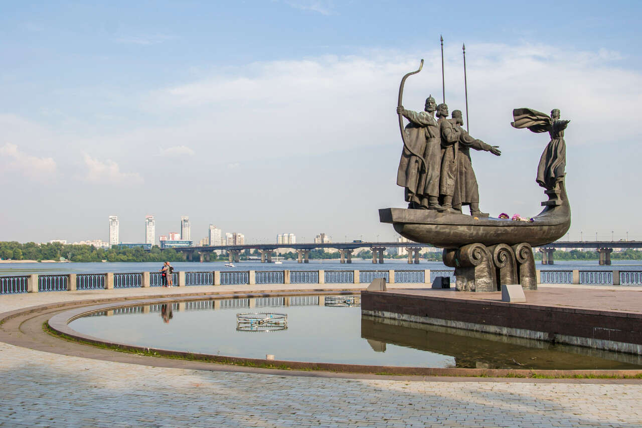 Zwiedzanie Kijowa - Pomnik Założycieli Kijowa