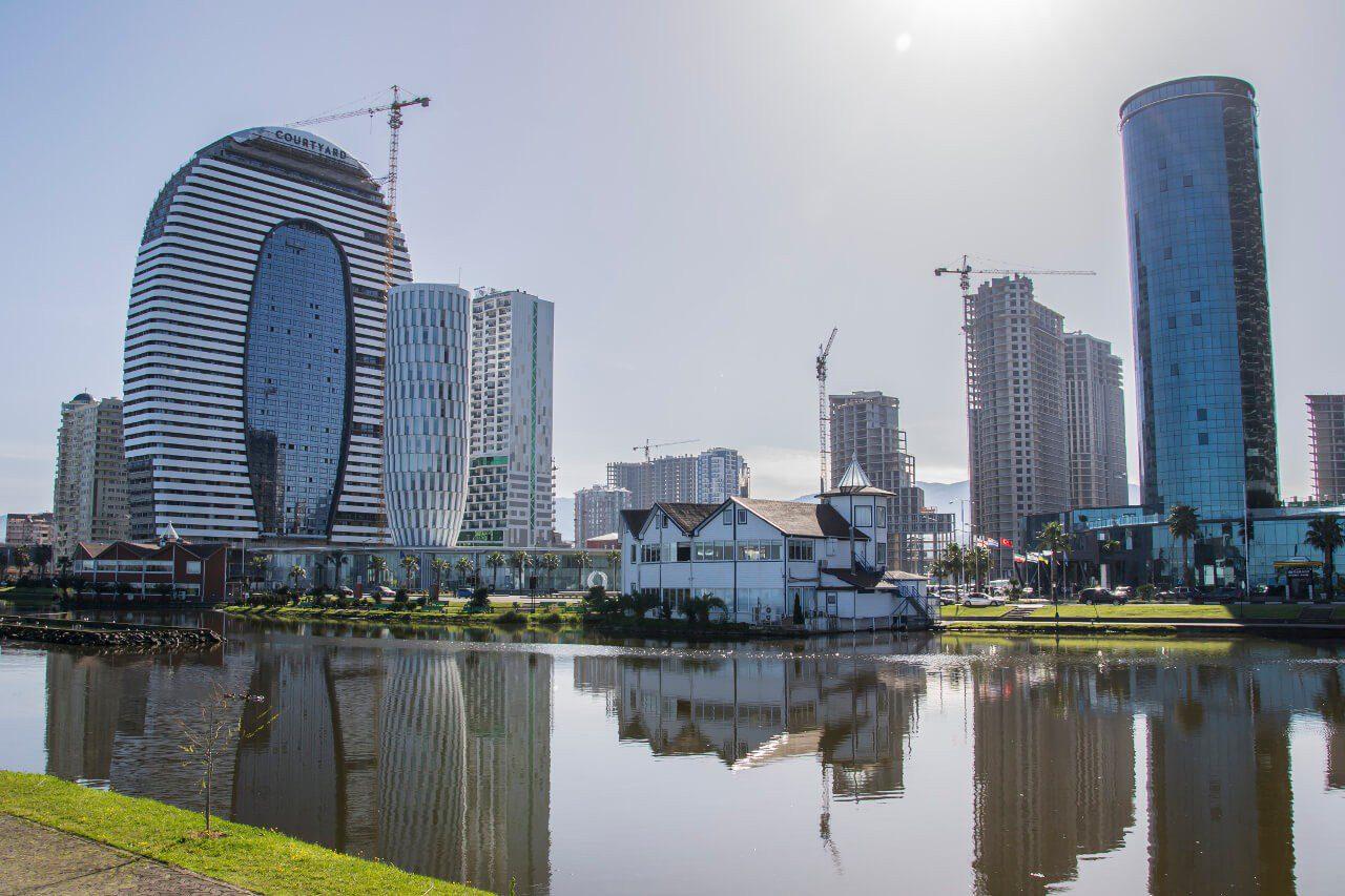 Co zobaczyć w Gruzji - Promenada nadmorska w Batumi