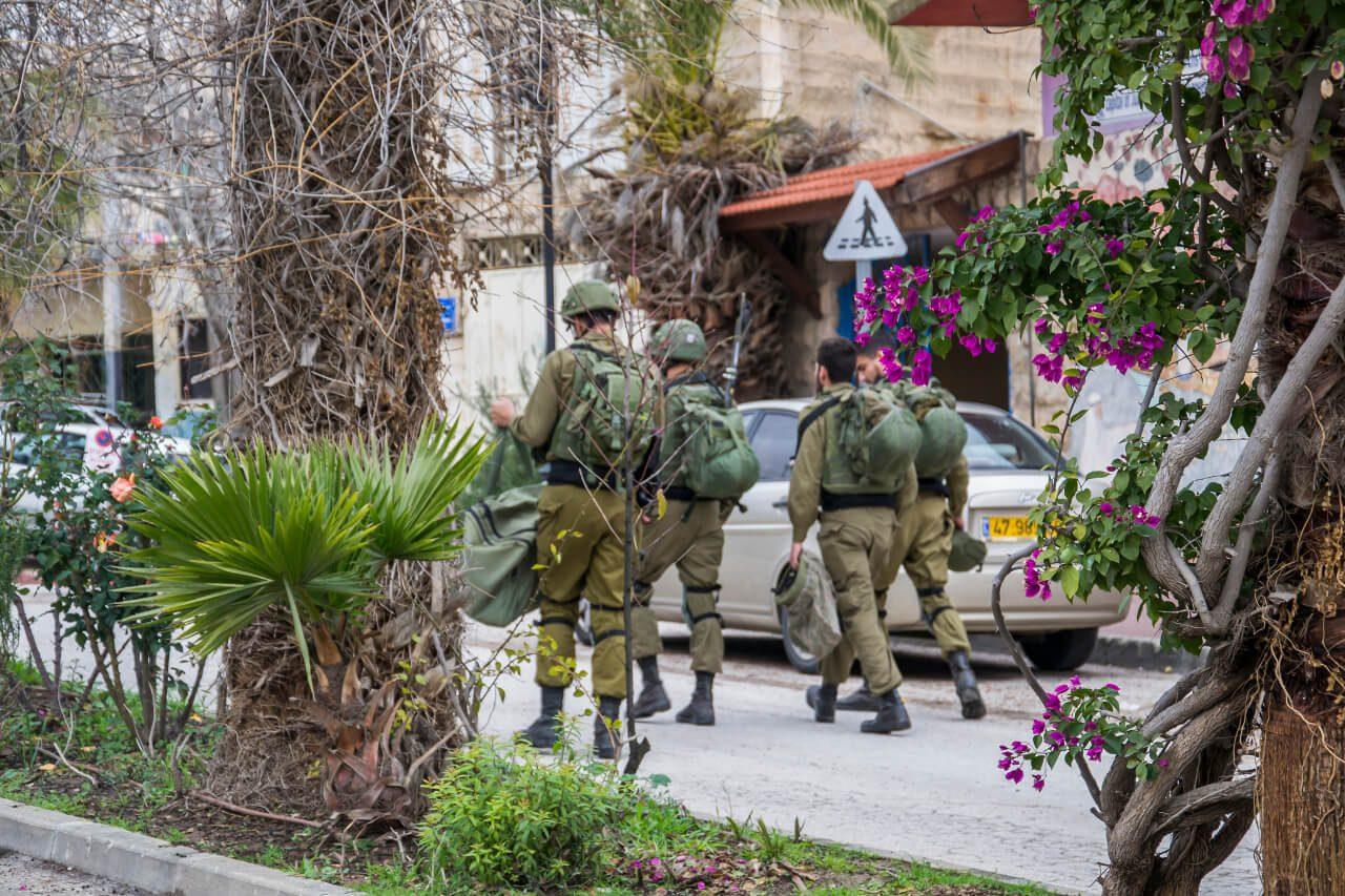 Wojsko izraelskie udaje się na służbę - Hebron.