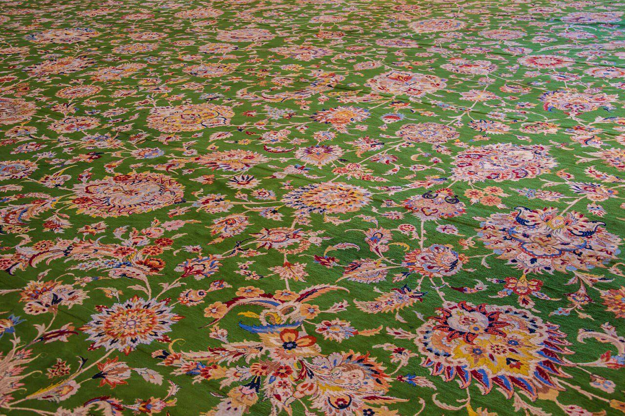 Największy na świecie dywan w Wielkim Meczecie Szejka Zayeda w Abu Dhabi