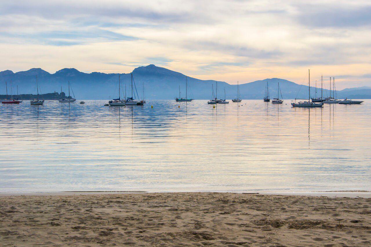 Widok na port w Port de Pollença