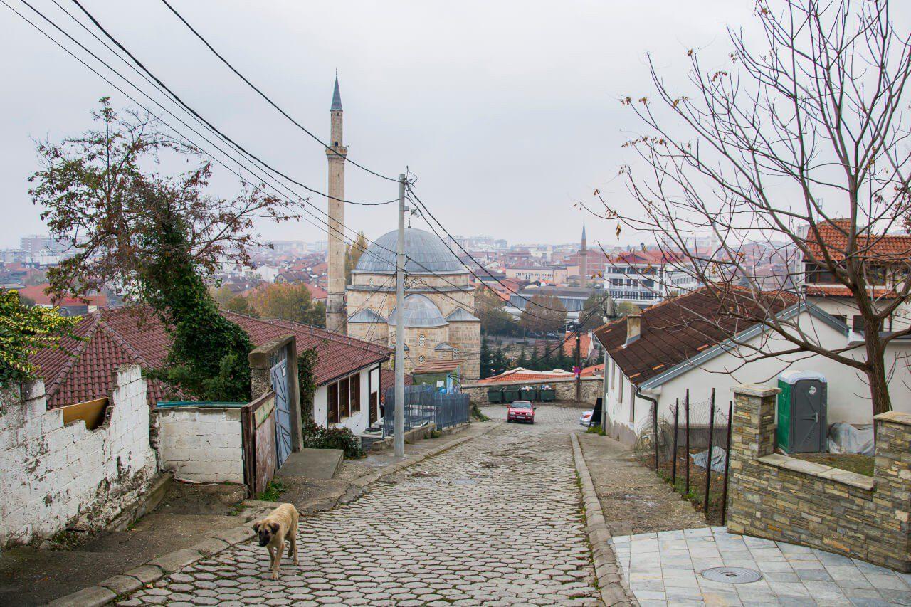 Widok na meczet Paszy w Prizren