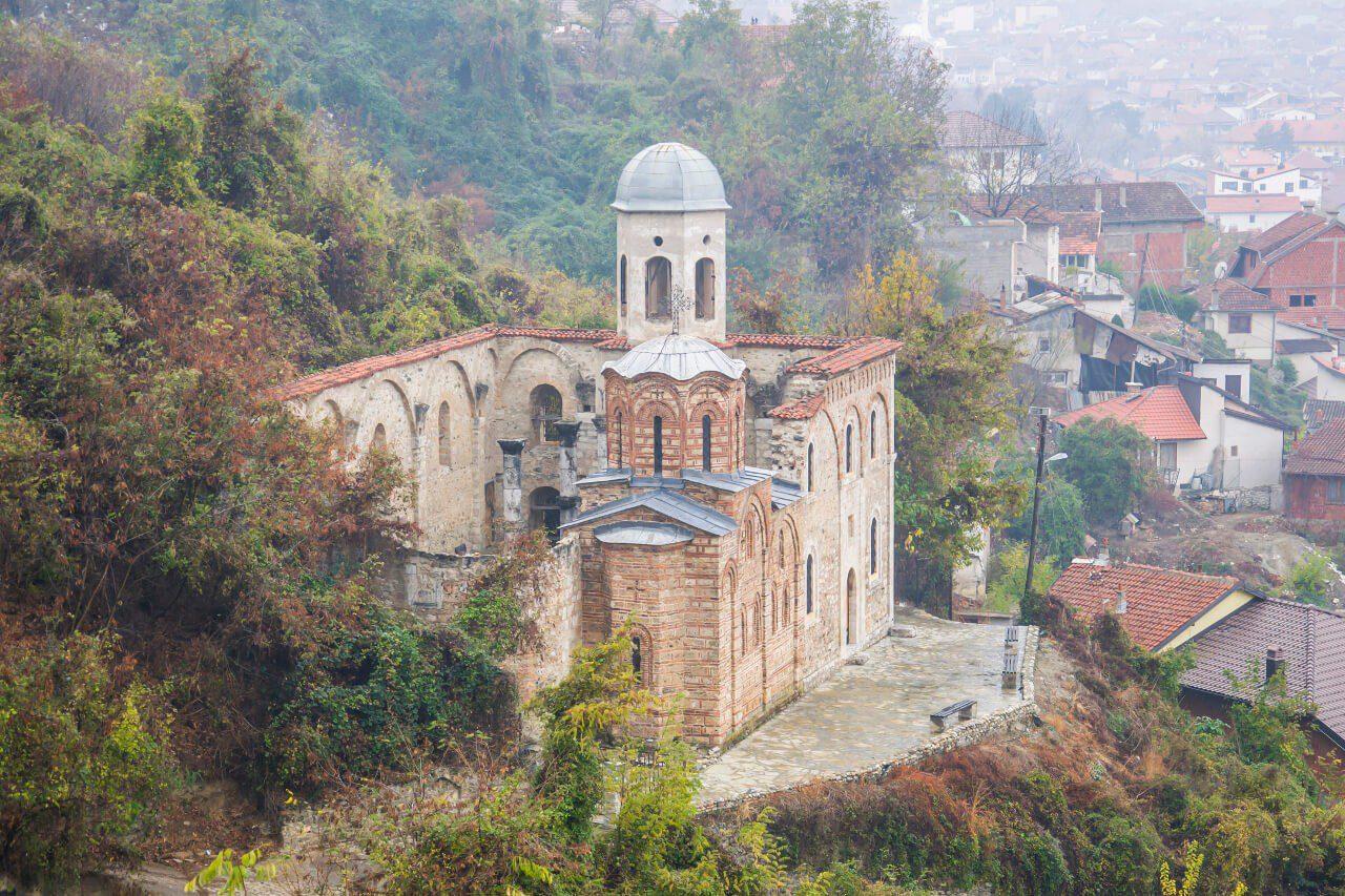 Pozbawiona dachu cerkiew Chrystusa Zbawiciela