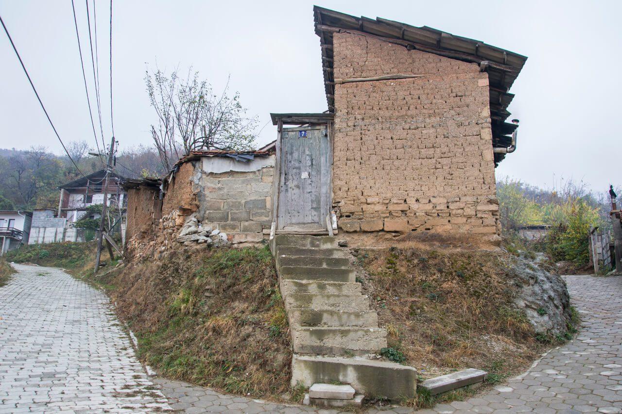 Zrujnowany dom w Prizren