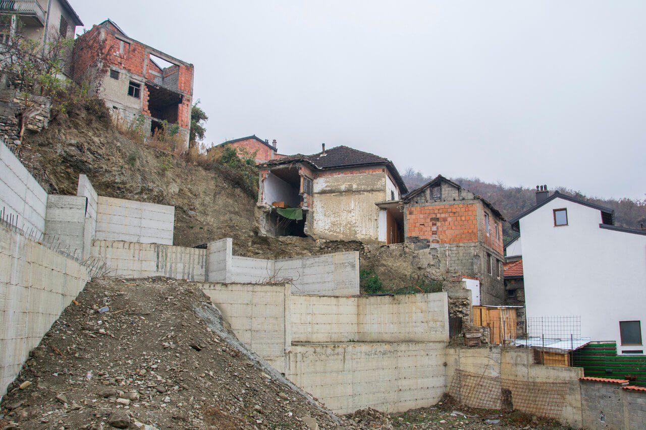 Pustostany i zrujnowane domy