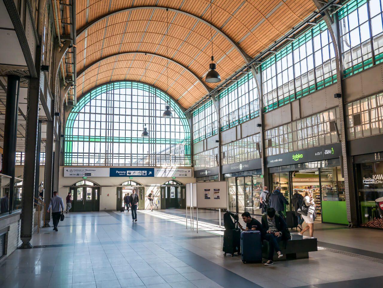 Wnętrze dworca kolejowego Wrocław Główny