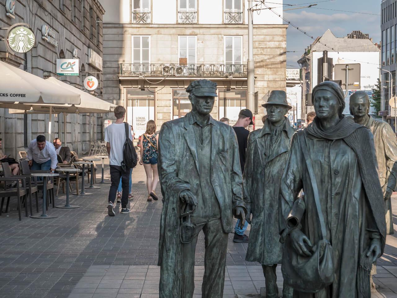 Wrocław w jeden dzień - Pomnik Anonimowego Przechodnia we Wrocławiu u zbiegu ulic Piłsudskiego i Świdnickiej