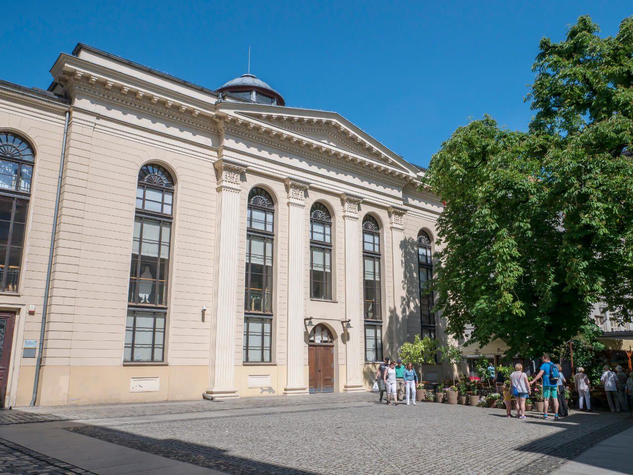 Synagoga pod Białym Bocianem w Dzielnicy Czterech Wyznań we Wrocławiu