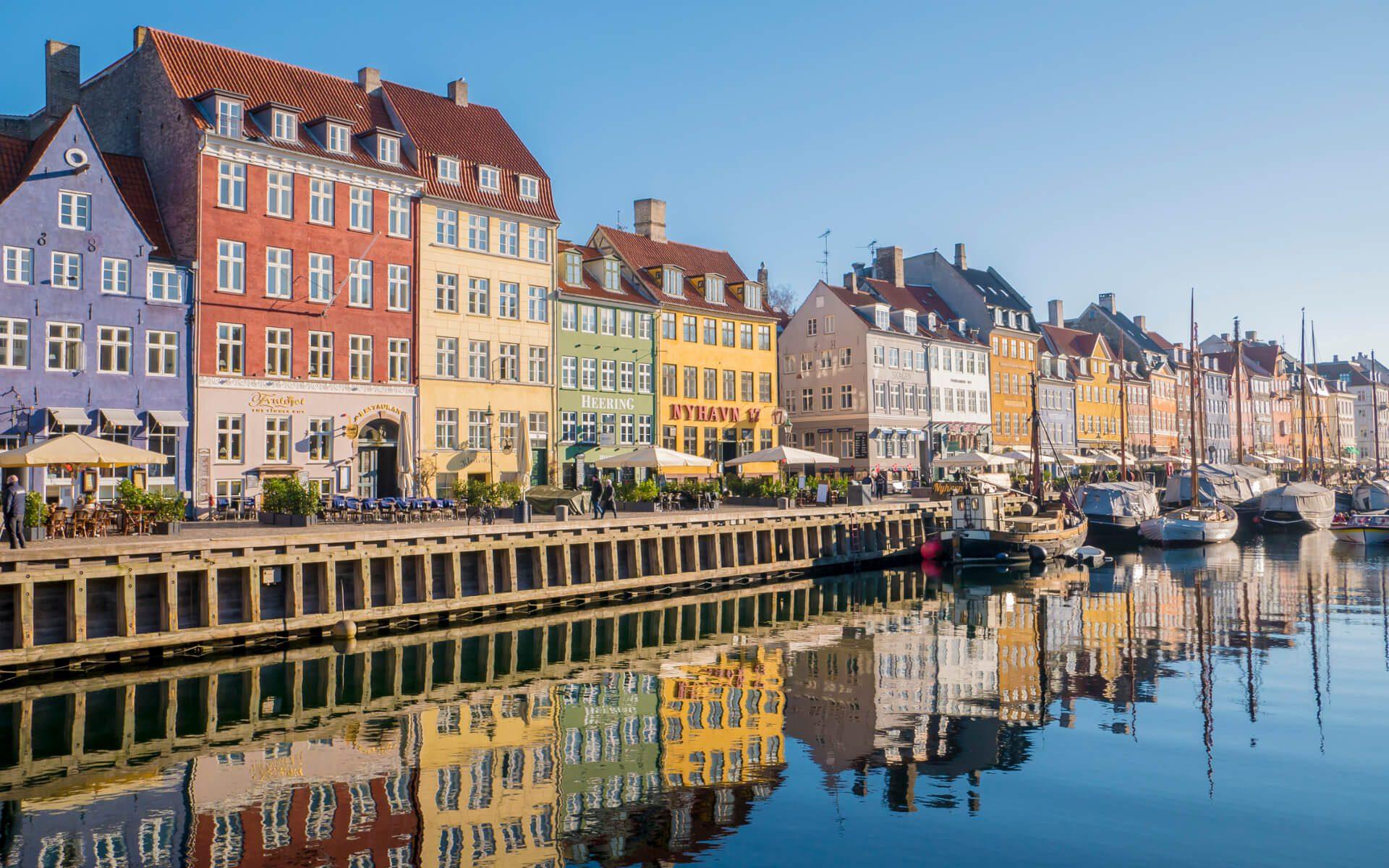 Kanał Nyhavn z kamienicami