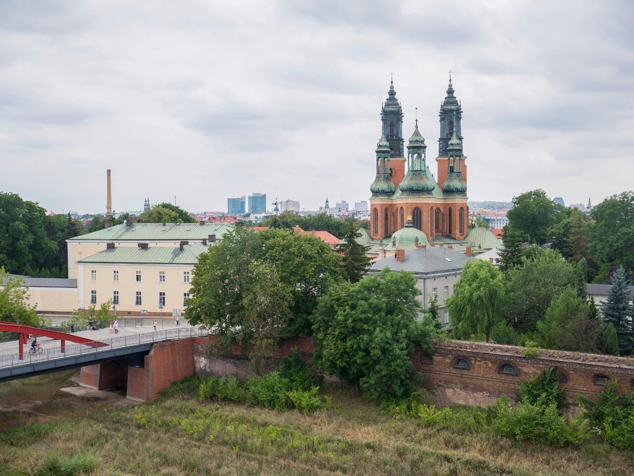 Widok z tarasu widokowego Bramy Poznania