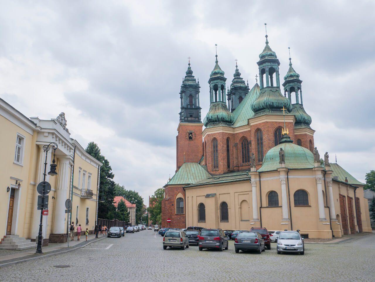 Bazylika Świętych Apostołów Piotra i Pawła z mostu Jordana w Poznaniu