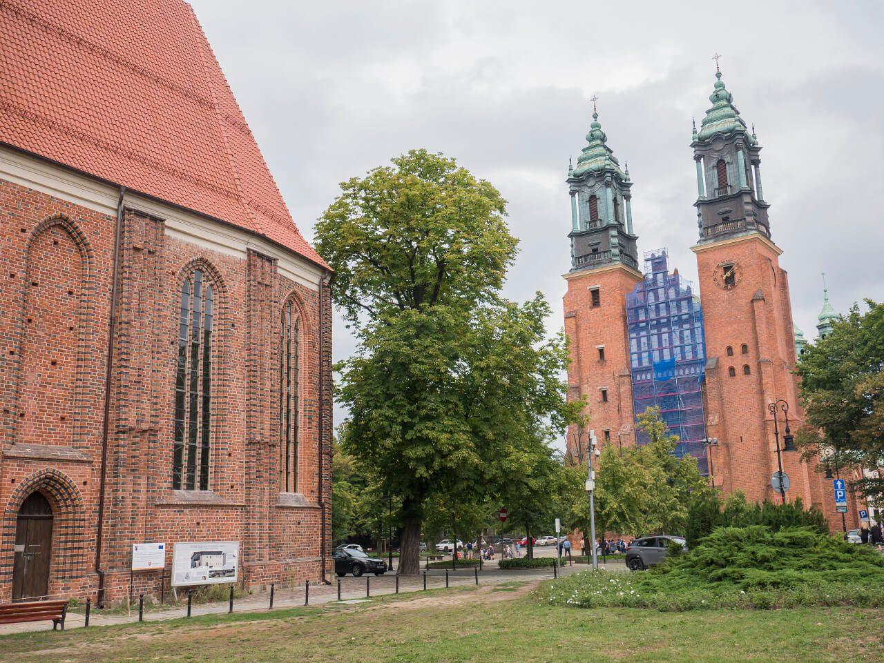 Kościół Najświętszej Marii Panny i bazylika Świętych Apostołów Piotra i Pawła na Ostrowie Tumskim w Poznaniu