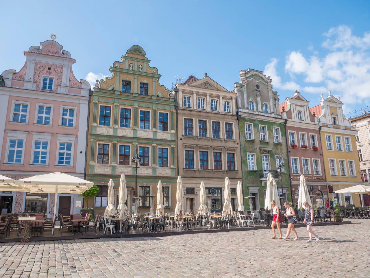 Ciąg kamienic na poznańskim Rynku