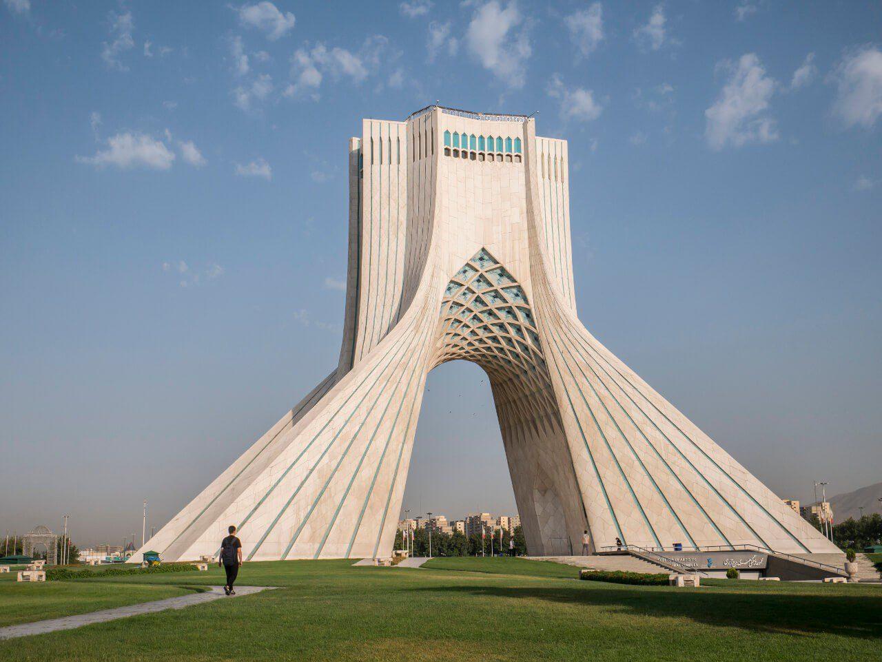 Azadi Tower w Teheranie - zwiedzanie Iranu