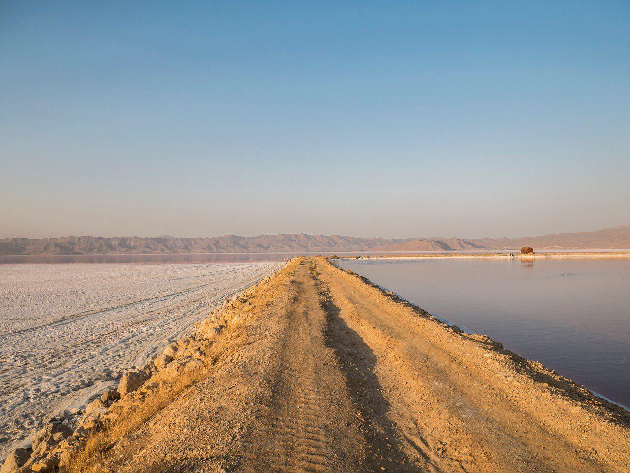 Jezioro Maharloo koło Shiraz w Iranie