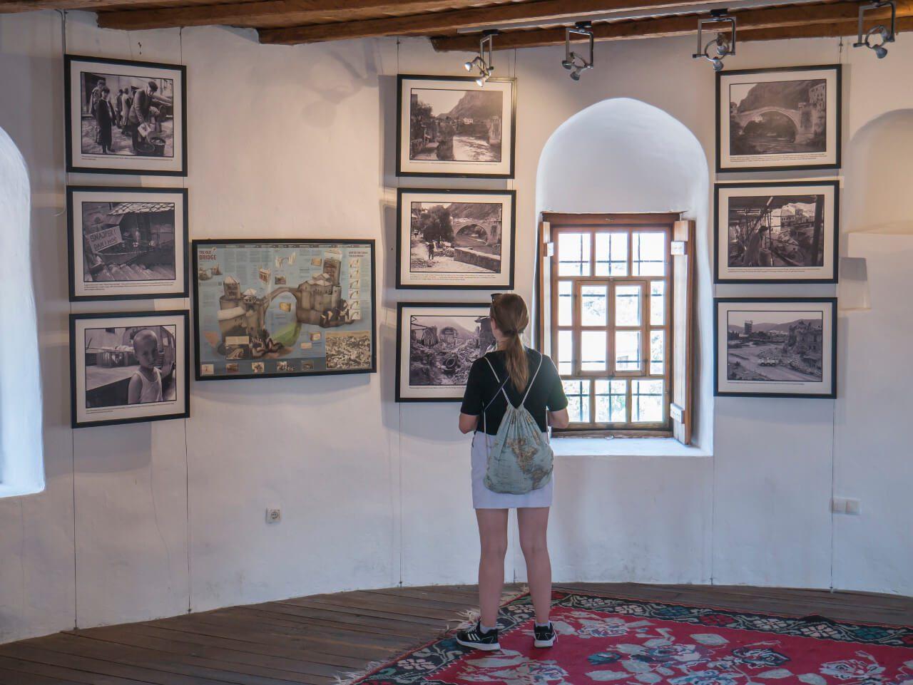 Wystawa War Photo Exhibition w Mostarze
