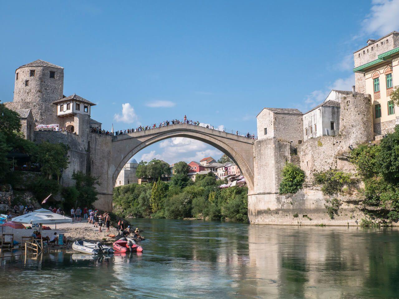 Widok na Stary Most nad Neretwą