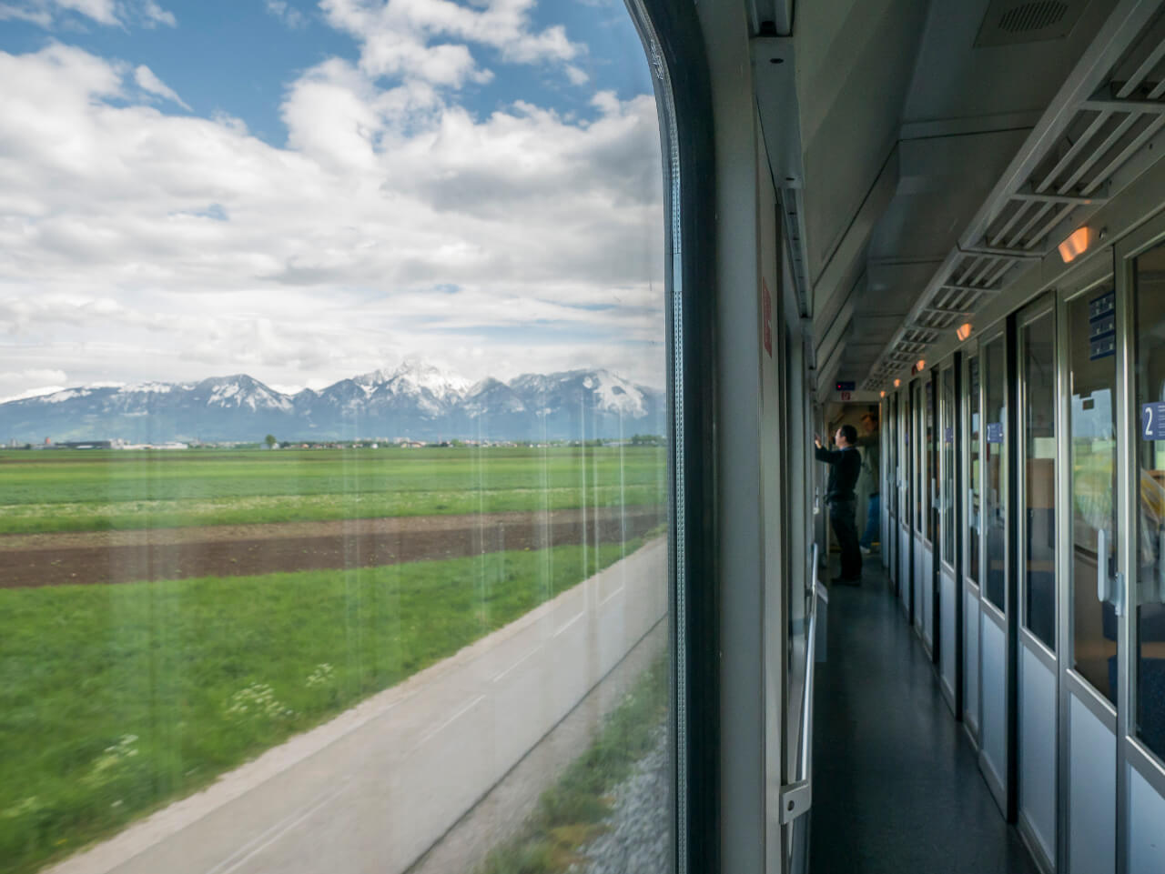 Widok z pociągu na trasie Lublana - Skofja Loka