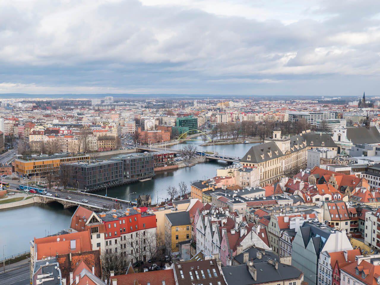 Widok na Wyspę Słodową we Wrocławiu z punktu widokowego