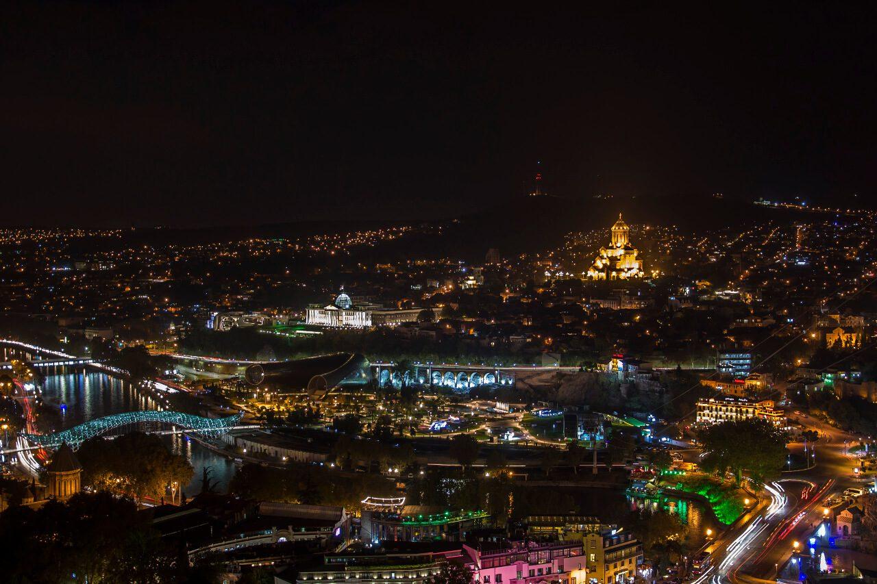 Widok na Tbilisi z twierdzy Narikala