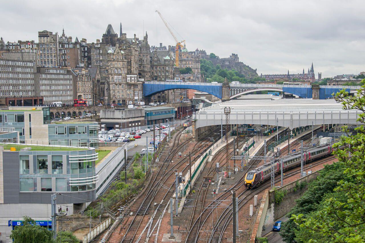 Stacja kolejowa Edinburgh Waverley
