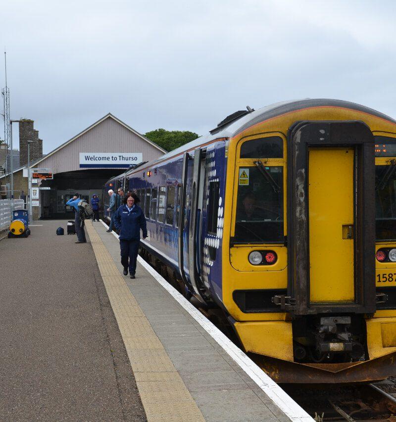Zwiedzanie Wielkiej Brytanii koleją. Podróż pociągami przez Anglię, Szkocję i Walię