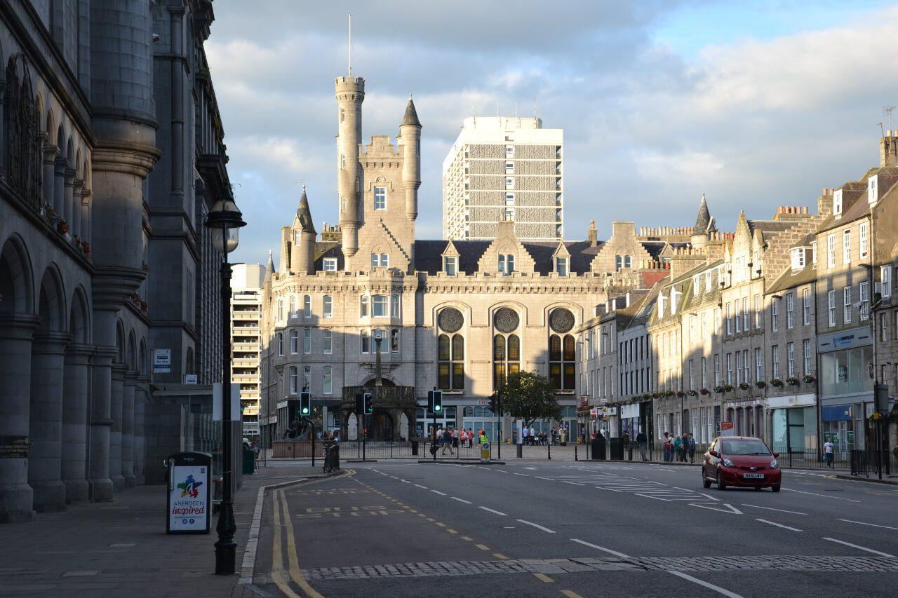 Granitowe budynki w centrum Aberdeen
