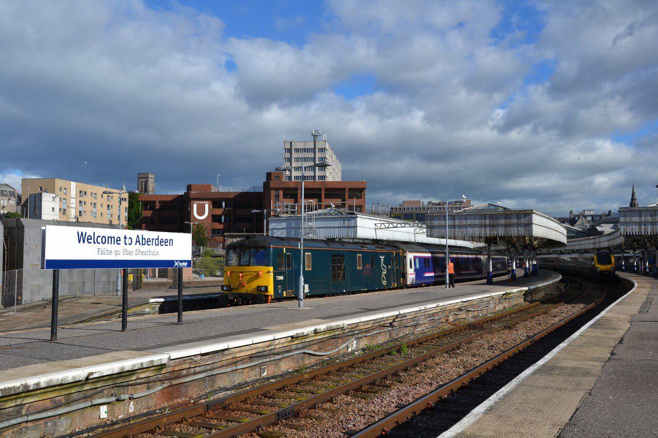 Widok na stację kolejową w Aberdeen