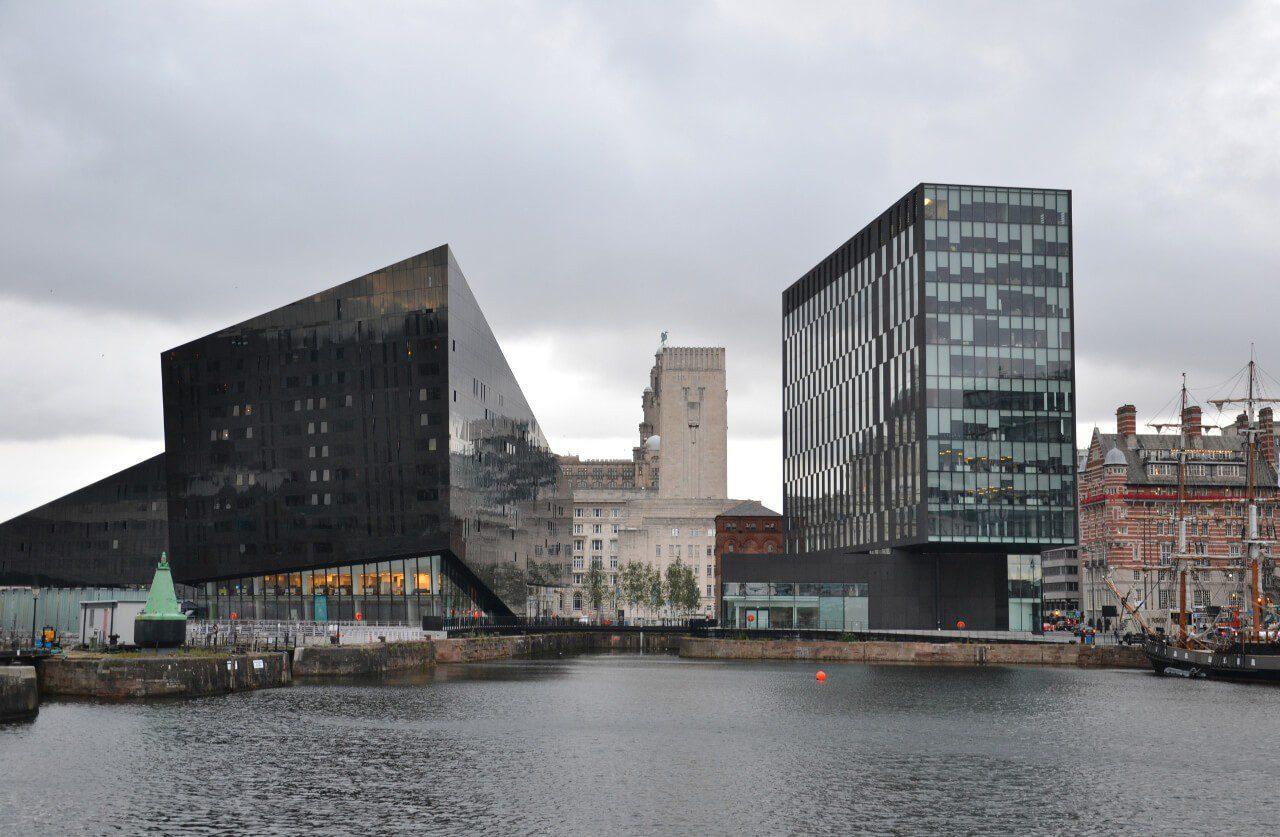 Nowoczesne zabudowania w Liverpool