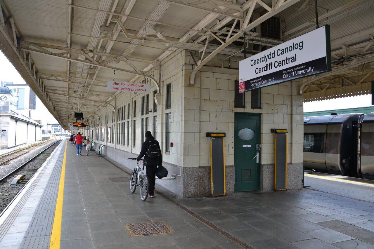 Stacja kolejowa w Cardiff