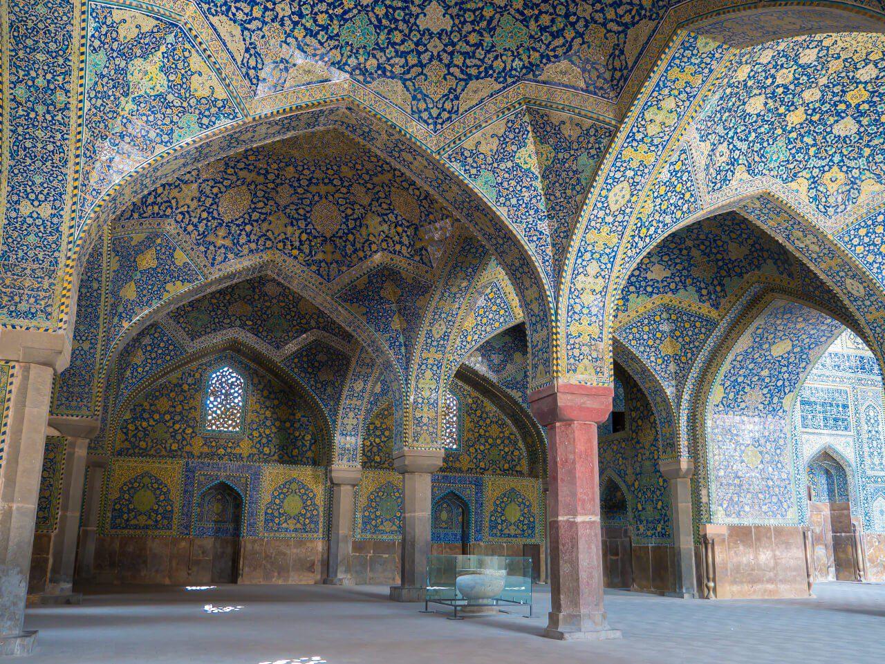 Wnętrze Meczetu Królewskiego w Isfahanie