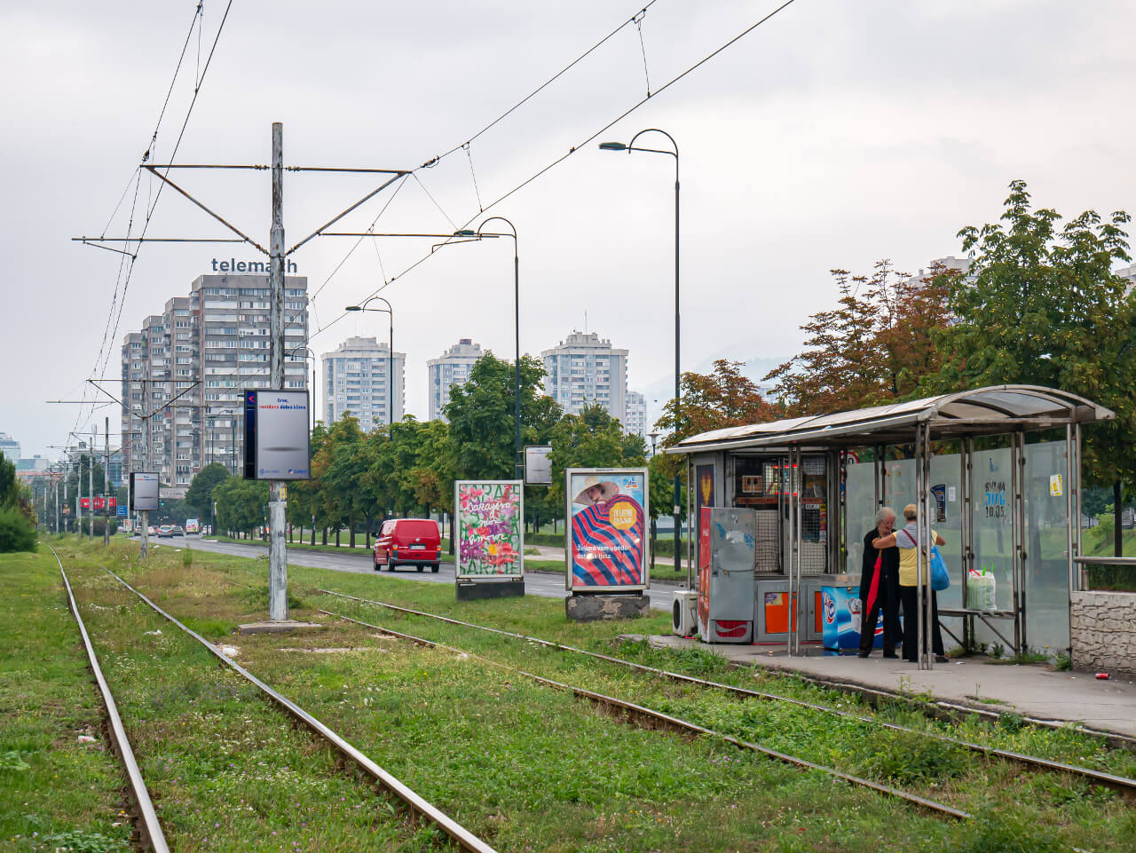 Przystanek tramwajowy przy ul. Smoka z Bośni (Aleja Snajperów) w Sarajewie
