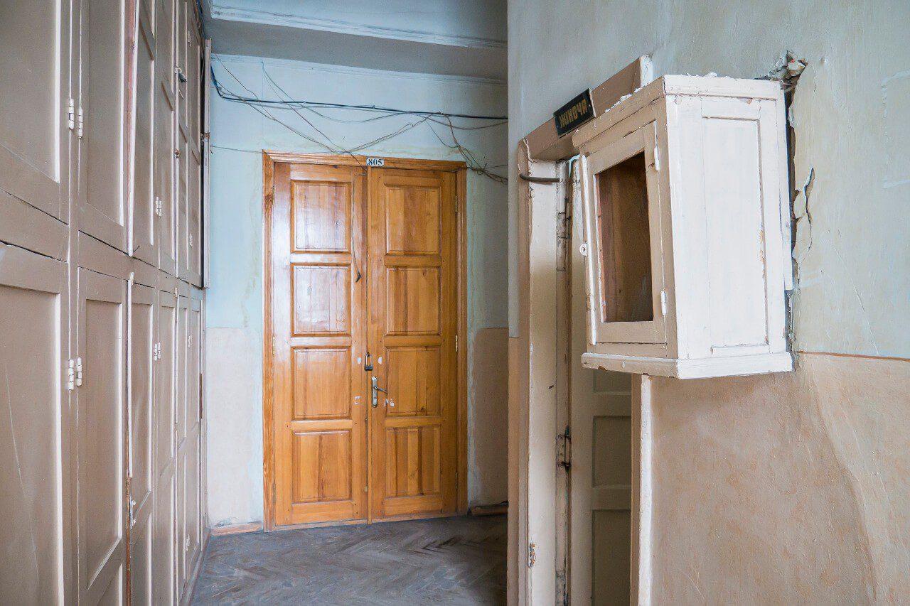 Korytarz jednego z budynków Dierżprom w Charkowie