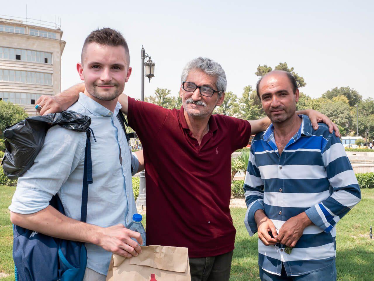 Bartek z Irańczykami w Teheranie