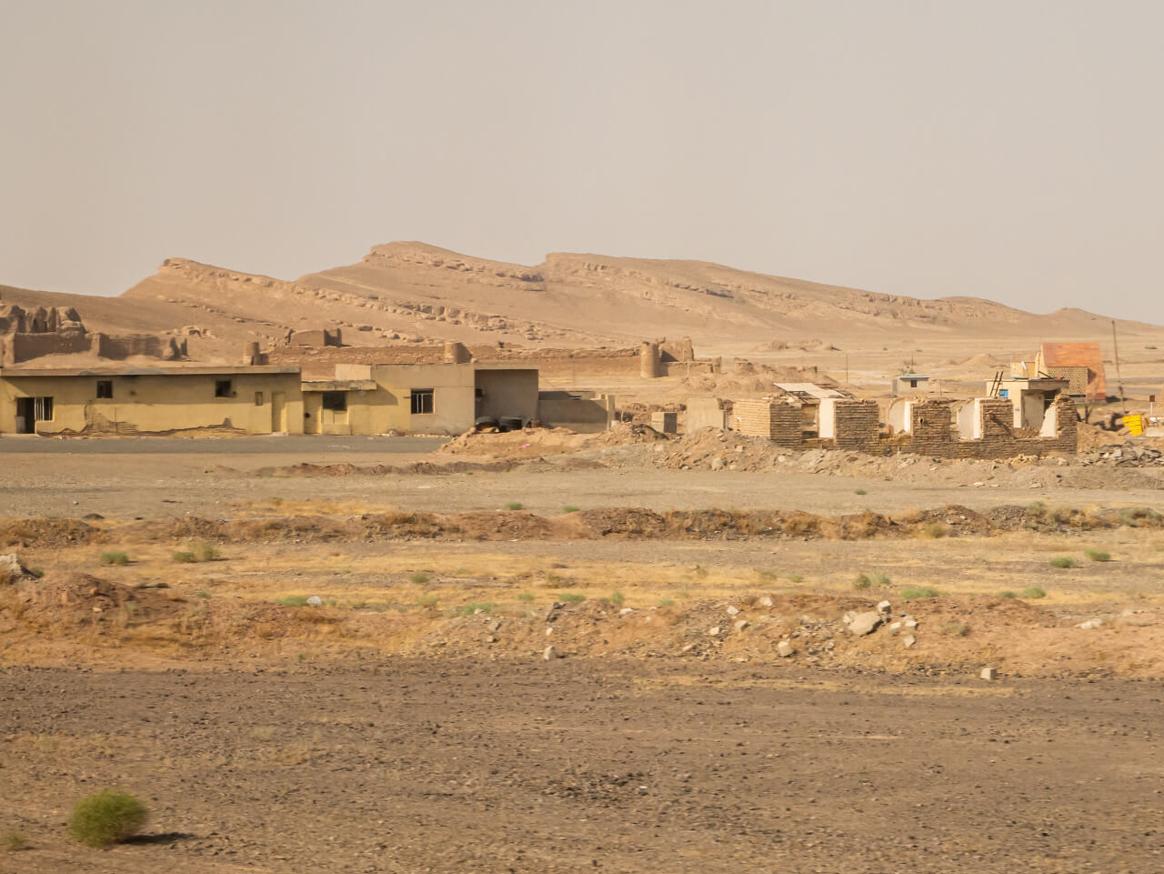 Wioska na pustyni między Teheranem a Shiraz