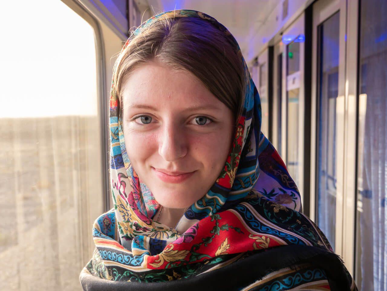 Natalia w pociągu z Teheranu do Shiraz