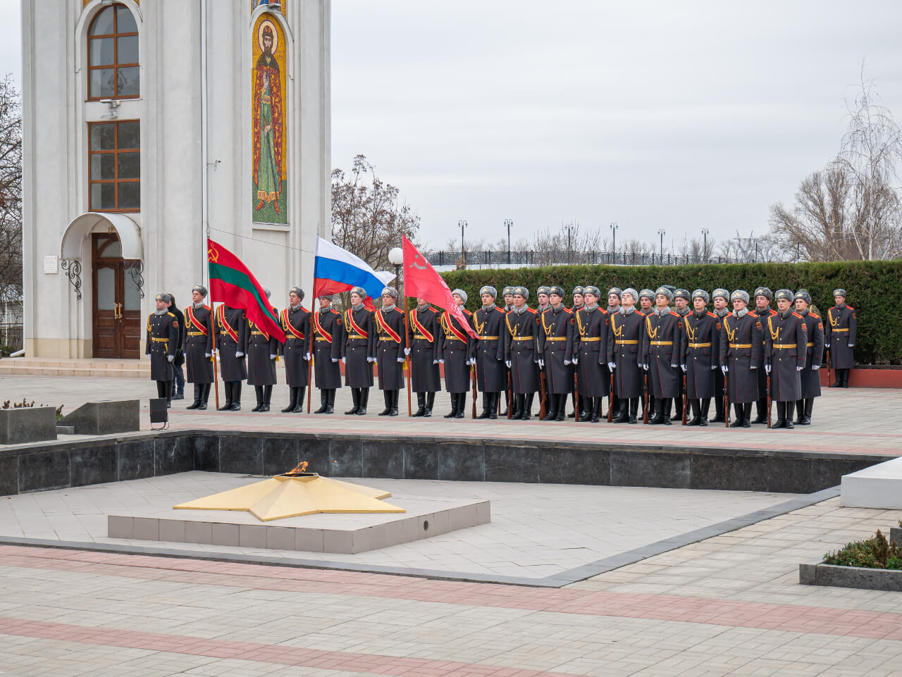 Wojsko Naddniestrza podczas uroczystości ku pamięci poległych w wojnie o niepodległość Naddniestrza