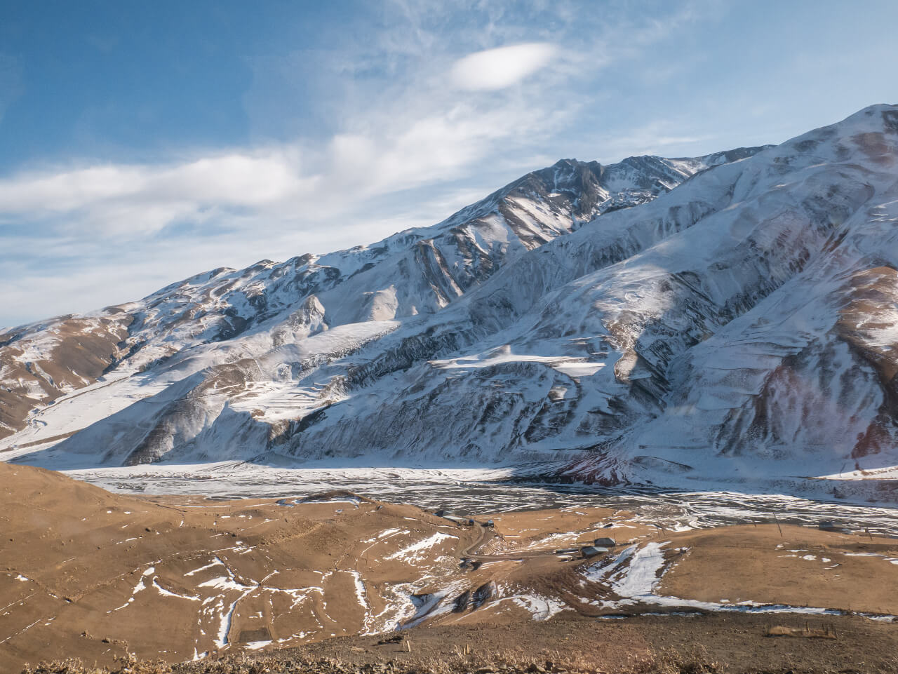 Widok na góry z Xinaliq