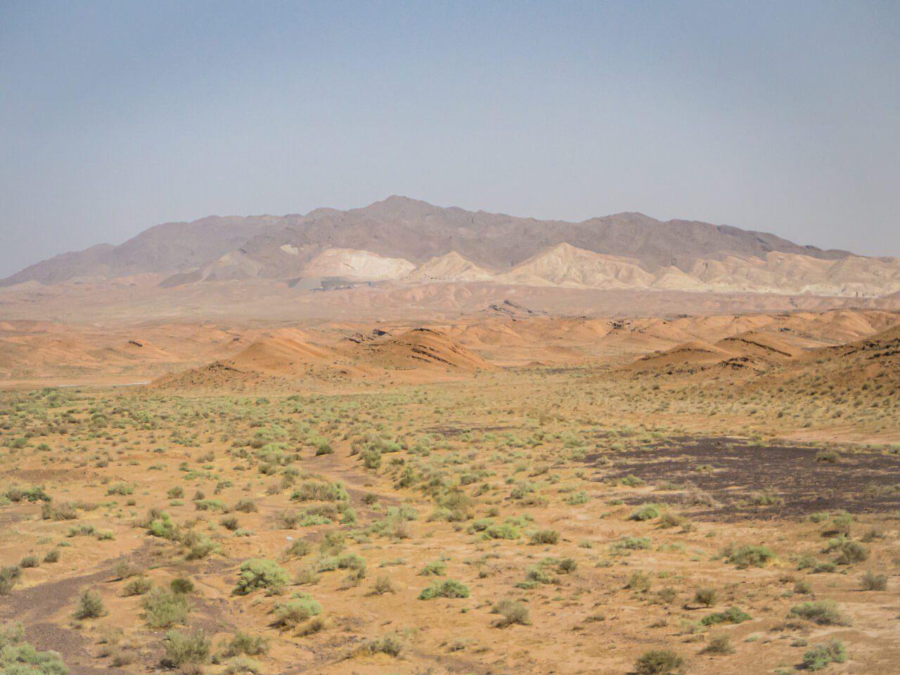 Góry na pustyni w Iranie