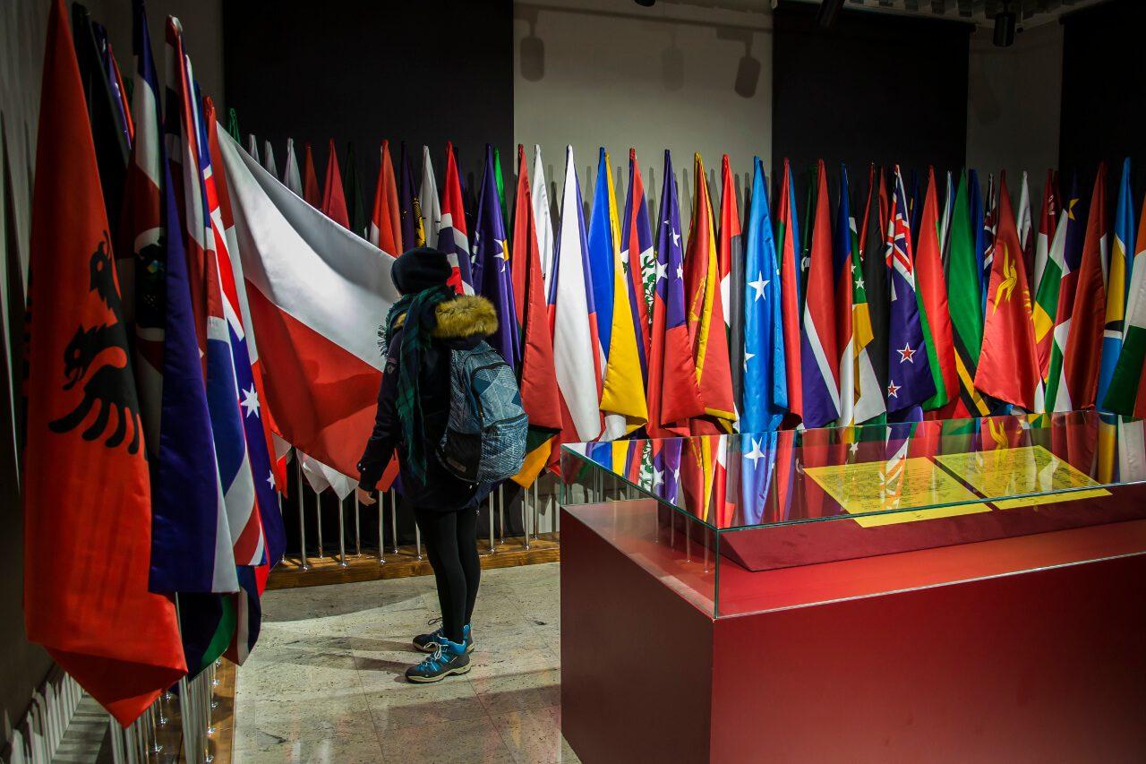 Flagi państw, które uznały niepodległość Kosowa
