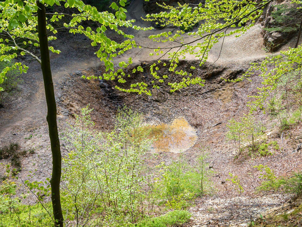 żółte jeziorko kolorowe jeziorka rudawy janowickie